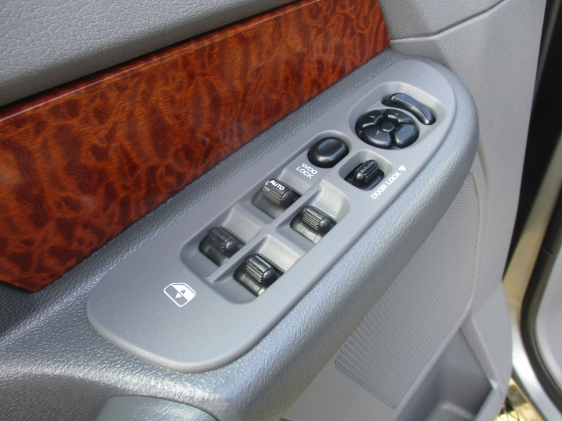 Dodge Ram 2500 2006 price $11,950