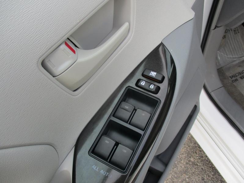 Toyota Sienna 2014 price $11,944