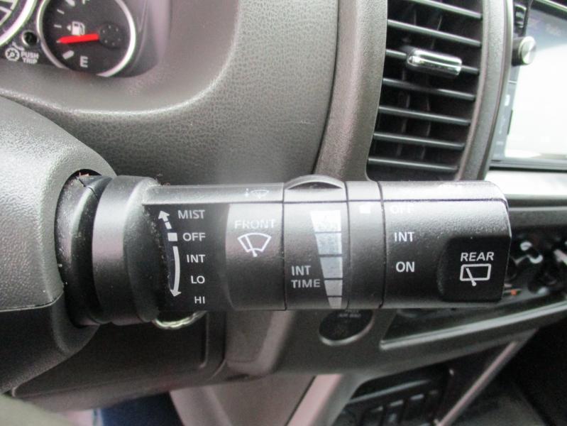 Nissan Pathfinder 2010 price $8,944