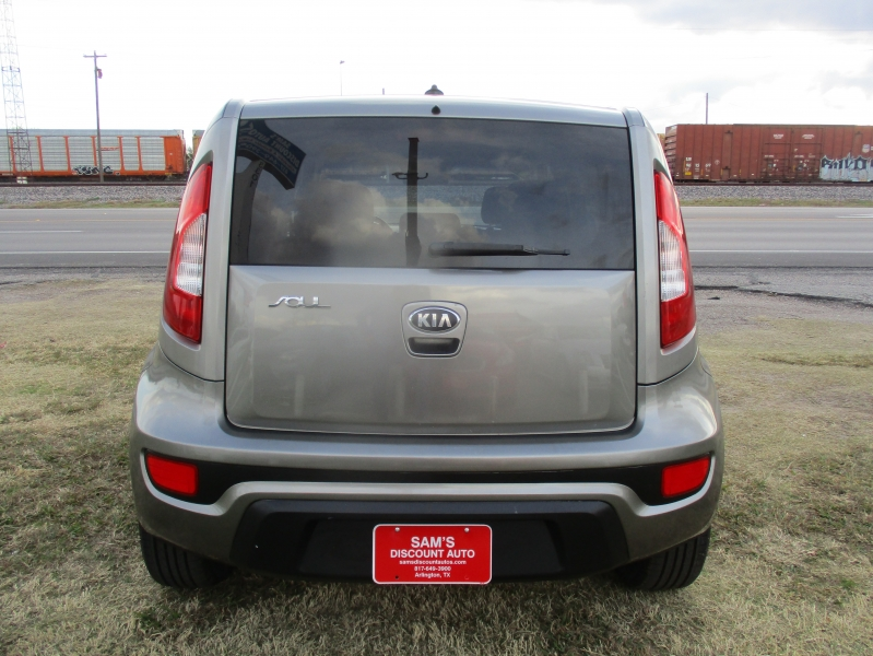 Kia Soul 2013 price $7,444