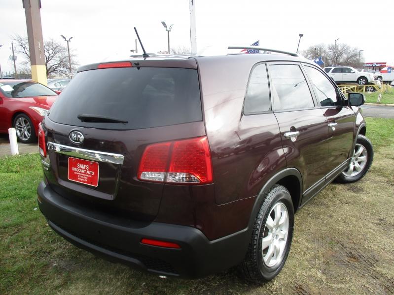 Kia Sorento 2012 price $7,444