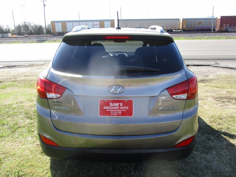 Hyundai Tucson 2012 price $7,944