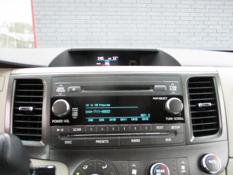 Toyota Sienna 2011 price $9,844