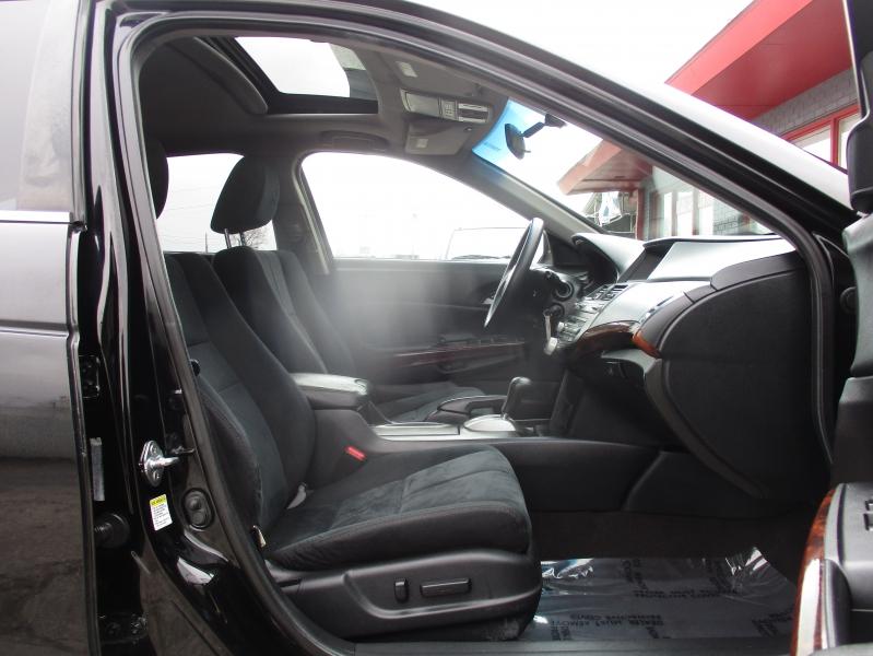 Honda Accord Crosstour 2010 price $8,250