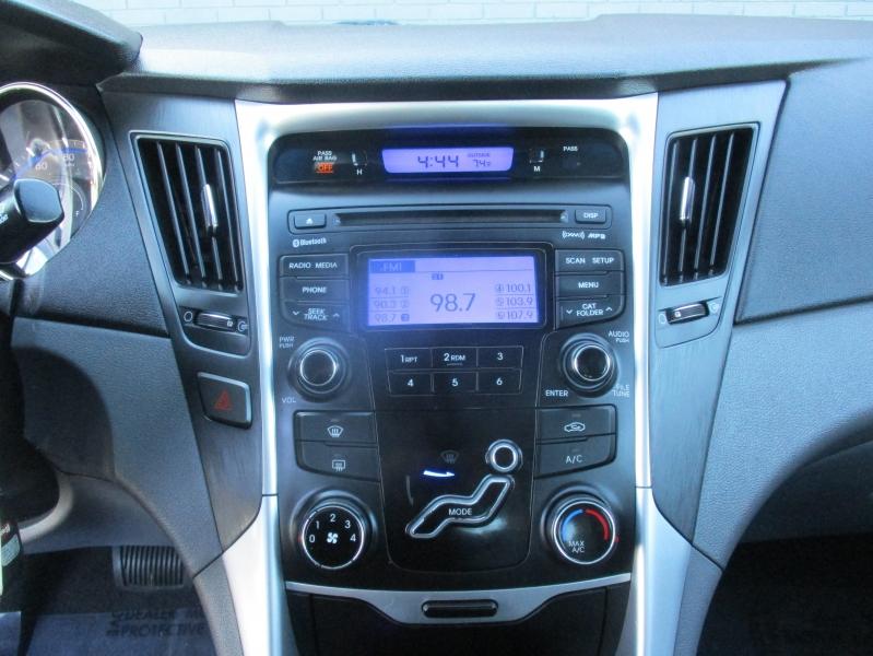 Hyundai Sonata 2012 price $7,444