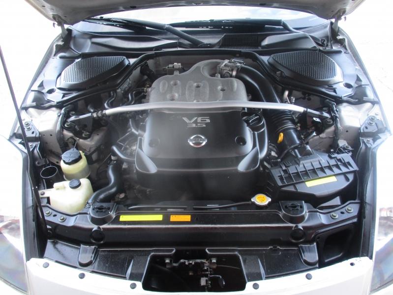 Nissan 350Z 2004 price $7,944