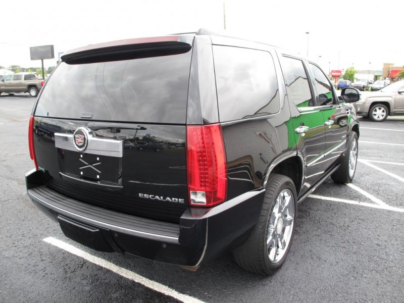 CADILLAC ESCALADE 2010 price $16,998