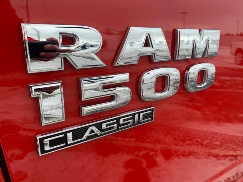 RAM 1500 CLASSIC 2019 price $34,989