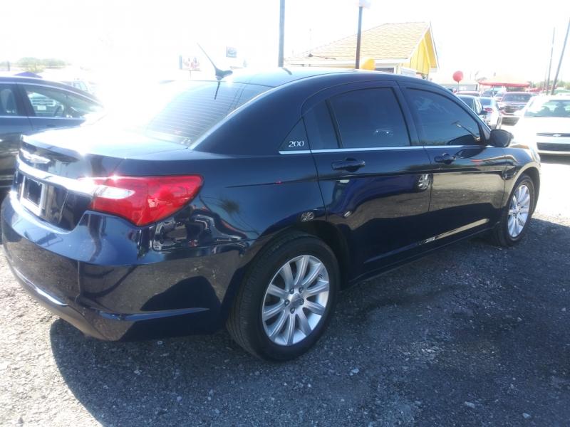 Chrysler 200 2013 price $5,750