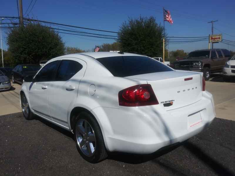 Dodge Avenger 2013 price $5,975