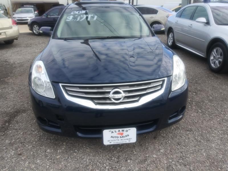 Nissan Altima 2010 price $5,975