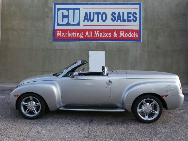 Chevrolet SSR 2004 price $21,995