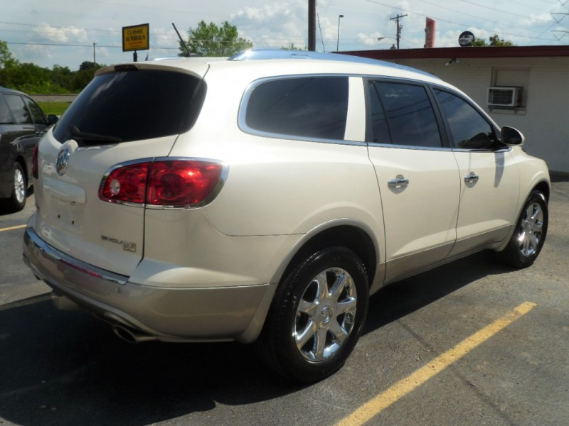 Buick Enclave 2010 price $7,395