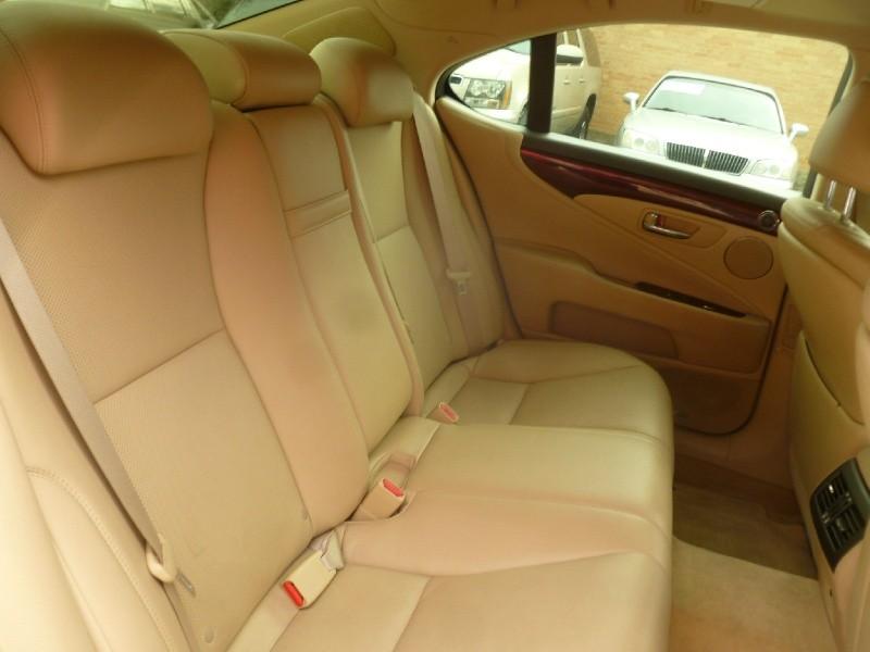 Lexus LS 460 2007 price $13,995