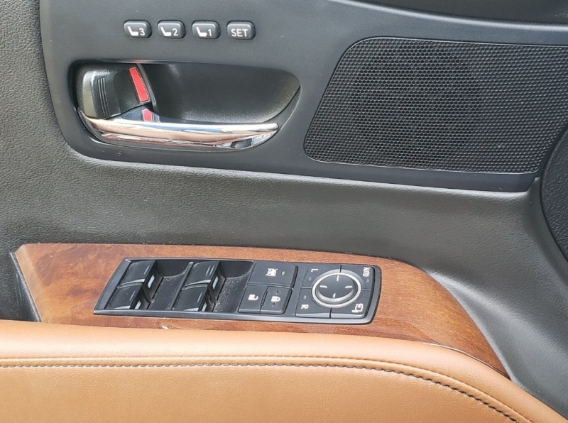Lexus RX 450h 2015 price $27,995