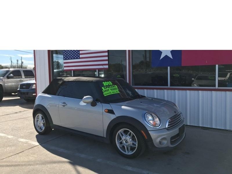 Mini Cooper Convertible 2014 price $7,995