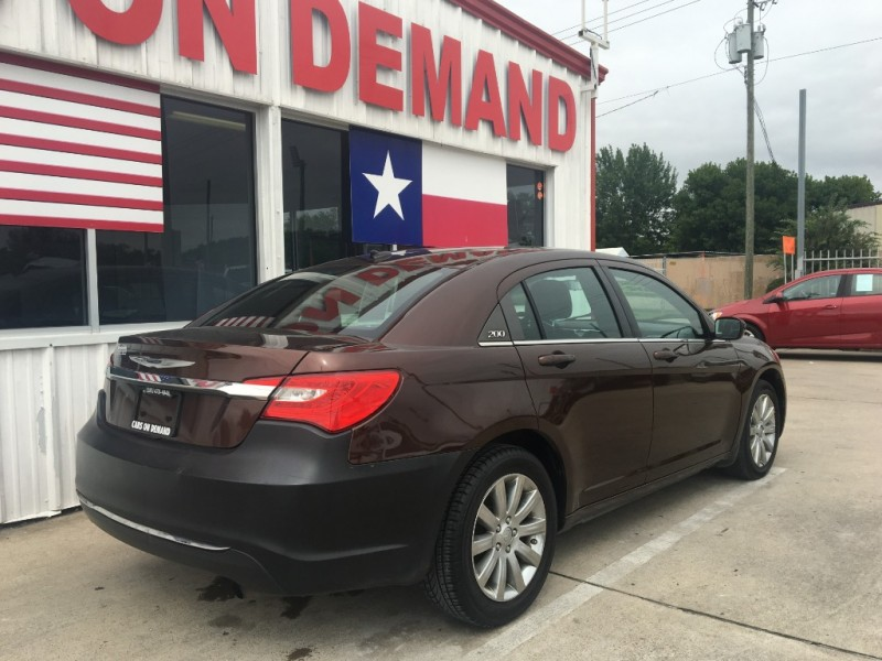 2013 chrysler 200 4dr sdn touring inventory auto 4 less auto dealership in pasadena texas. Black Bedroom Furniture Sets. Home Design Ideas