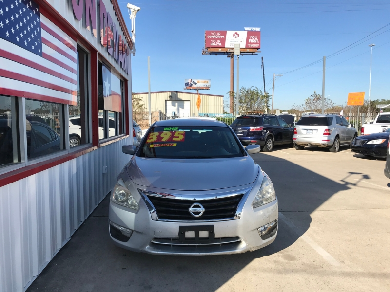 Nissan Altima 2015 price $5,995