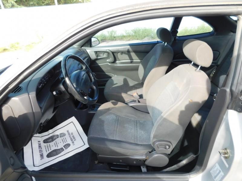 Ford Escort 2001 price $3,995