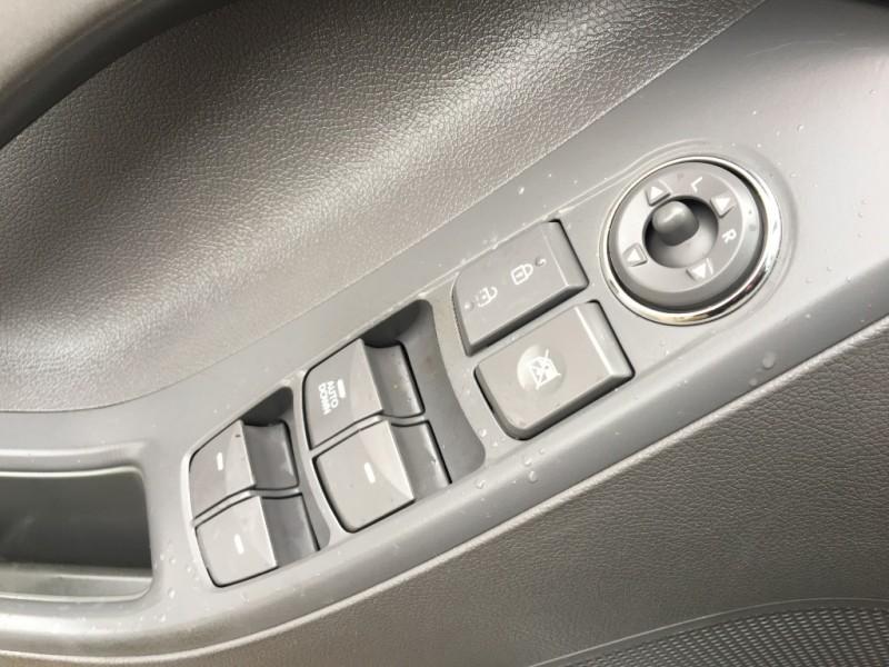 Hyundai Elantra 2012 price $4,995
