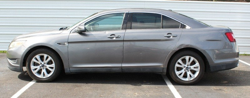 Ford Taurus 2011 price $3,995