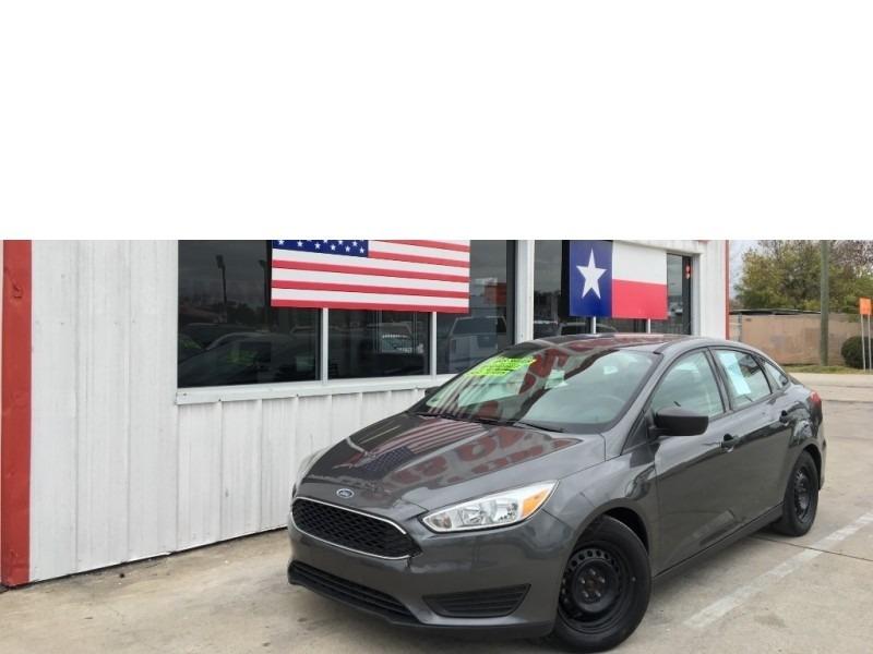 Ford Focus 2016 price $5,995