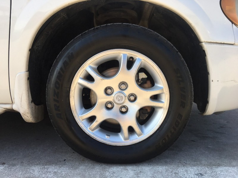 Dodge Caravan 2003 price $1,995