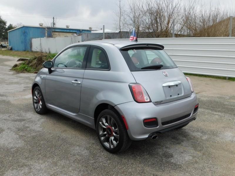 Fiat 500 2017 price $9,995