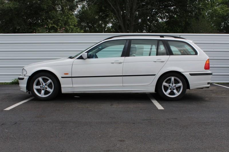 BMW 3-Series 2001 price $2,795