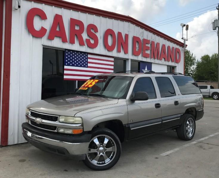 Chevrolet Suburban 2000 price $2,995