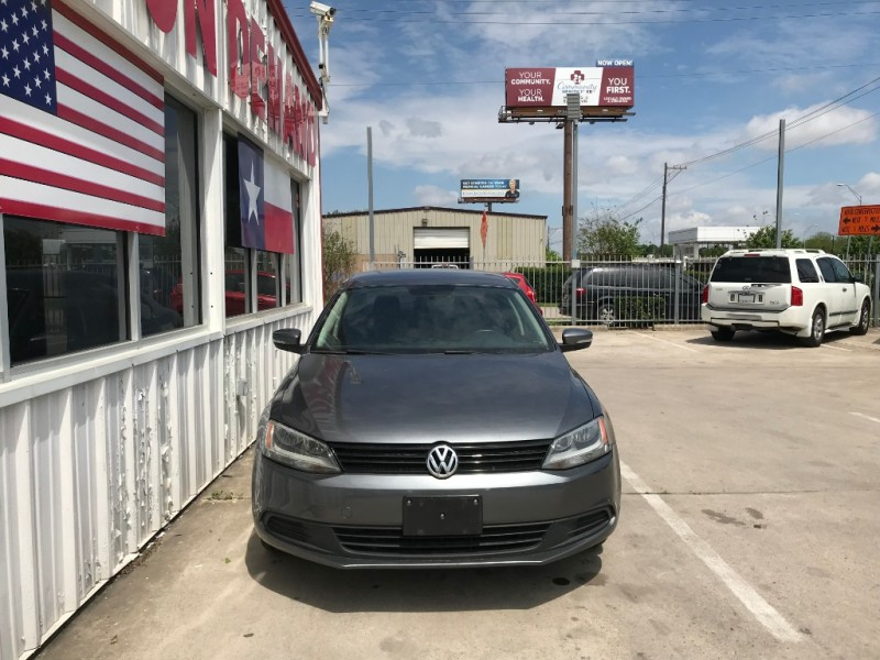 Volkswagen Jetta Sedan 2011 price $5,995