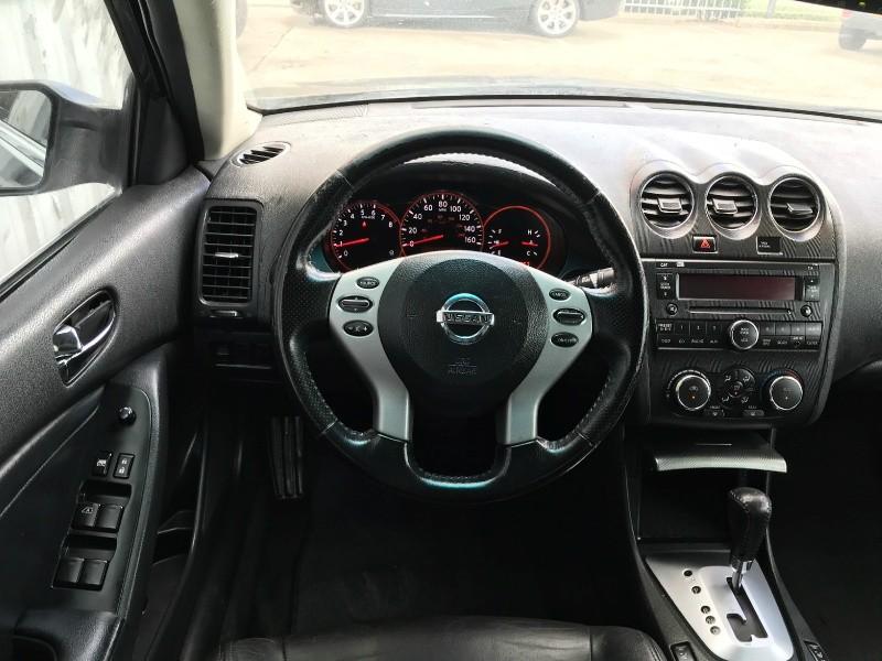 Nissan Altima 2009 price $5,995