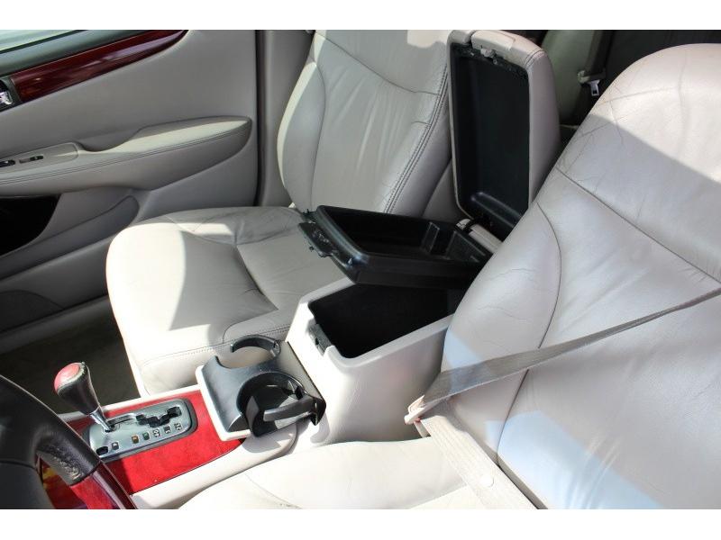 Lexus ES 330 2004 price $3,495