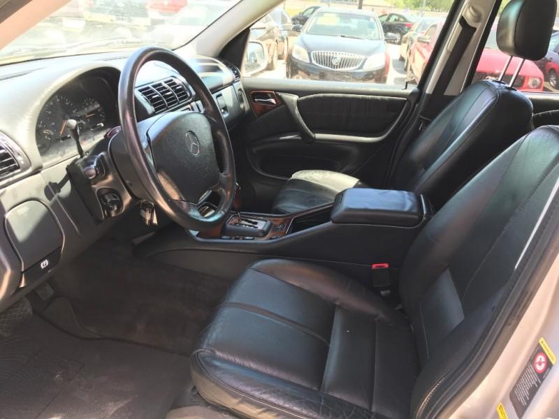 Mercedes-Benz M-Class 2004 price $4,995