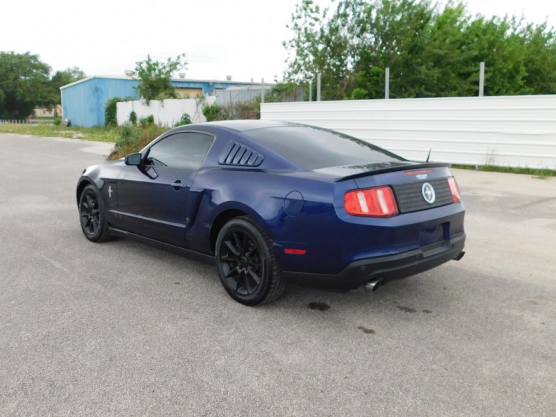 Ford Mustang 2012 price $7,995