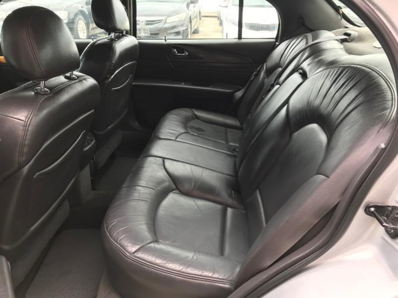 Lincoln Continental 2001 price $2,995