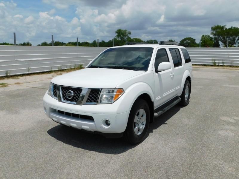 Nissan Pathfinder 2006 price $5,995