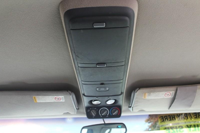 Chevrolet Suburban 1998 price $2,495