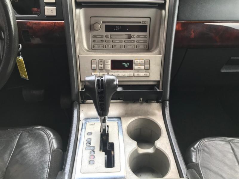 Lincoln Navigator 2006 price $4,995