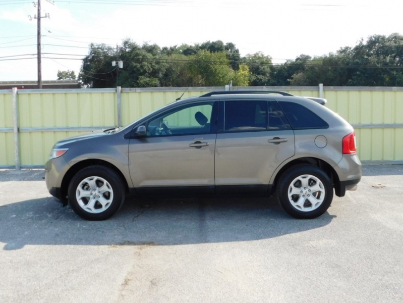 Ford Edge 2013 price $8,995