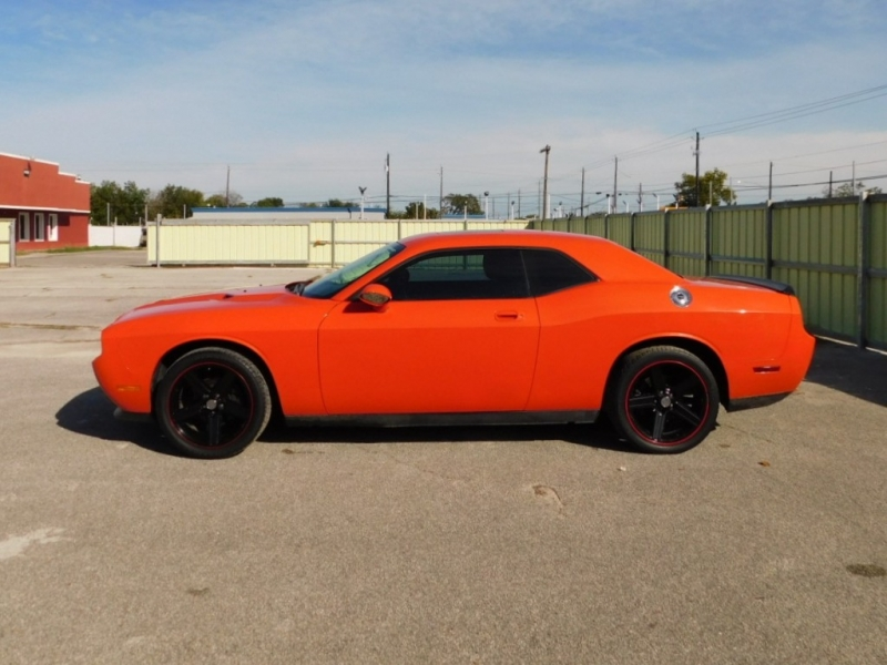 Dodge Challenger 2010 price $14,995