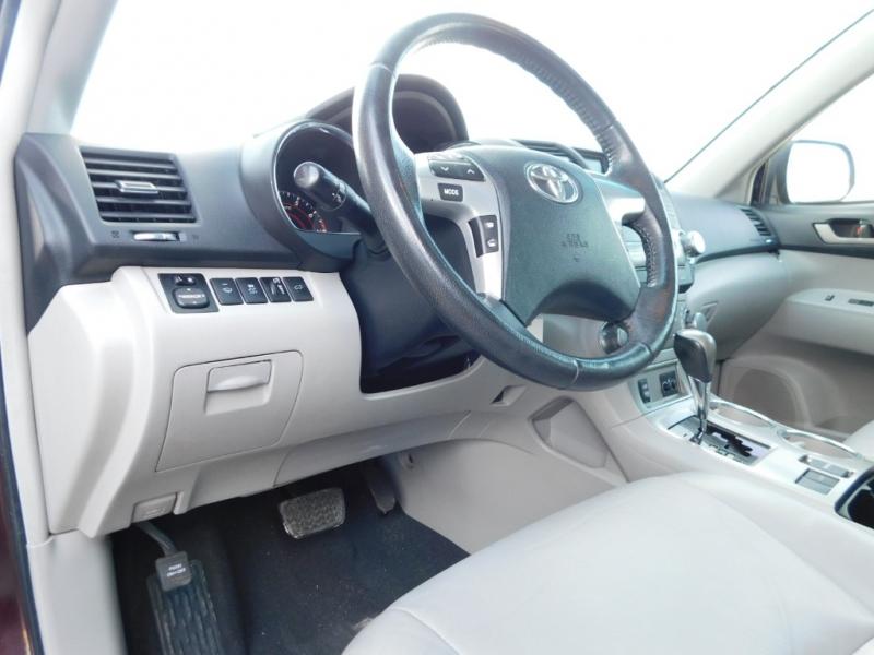 Toyota Highlander 2012 price $12,995
