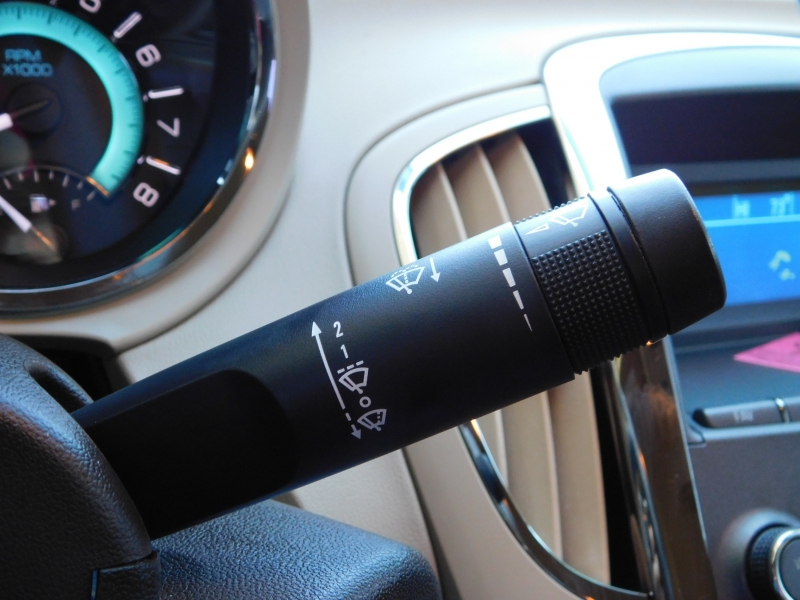 Buick LaCrosse 2011 price $5,995
