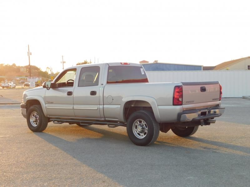 Chevrolet Silverado 2500HD 2005 price $11,995