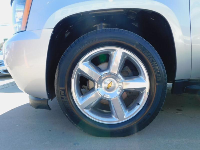 Chevrolet Suburban 2013 price $13,995