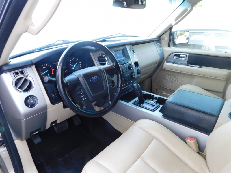 Ford Expedition EL 2017 price $24,995