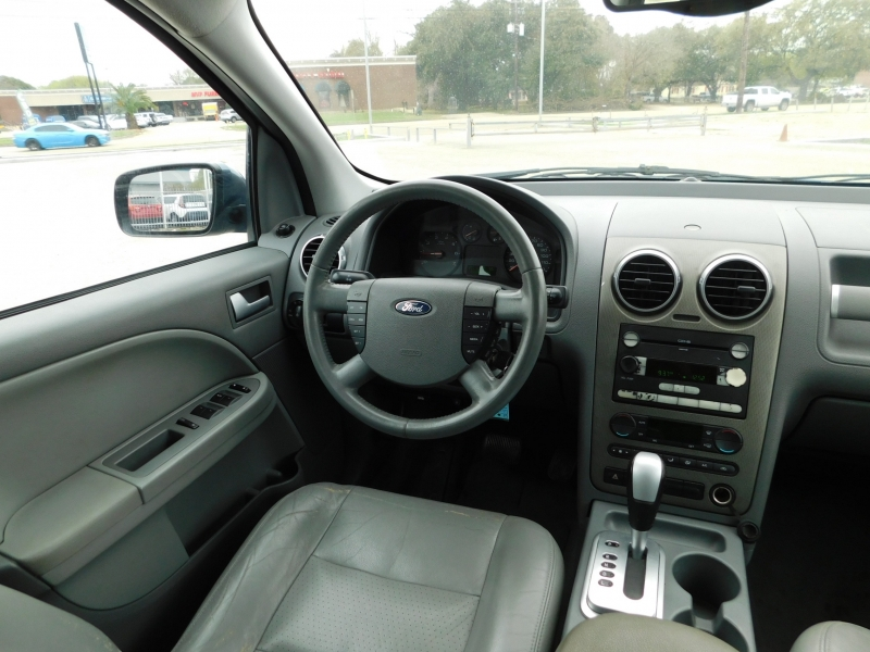 Ford Freestyle 2005 price $2,995