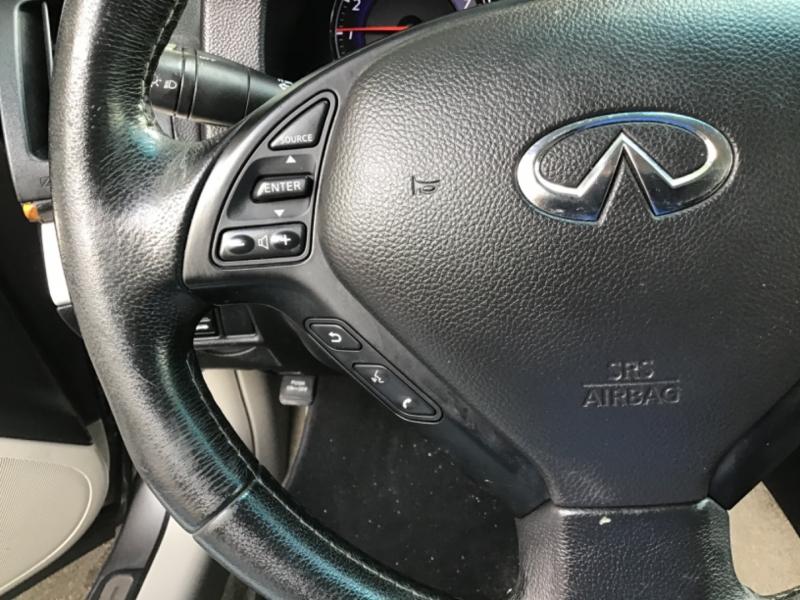 Kia K900 2015 price $17,995