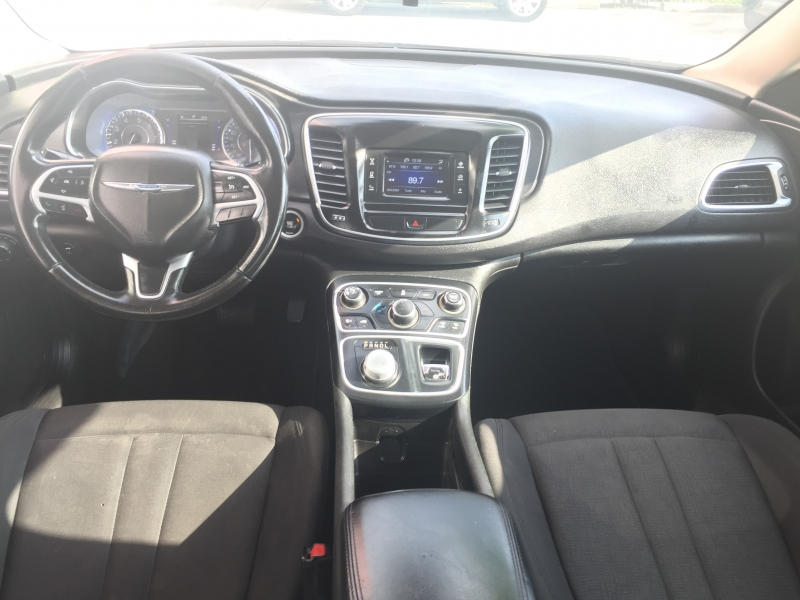 Chrysler 200 2015 price $7,995