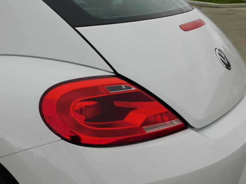 Volkswagen Beetle Coupe 2015 price $9,995